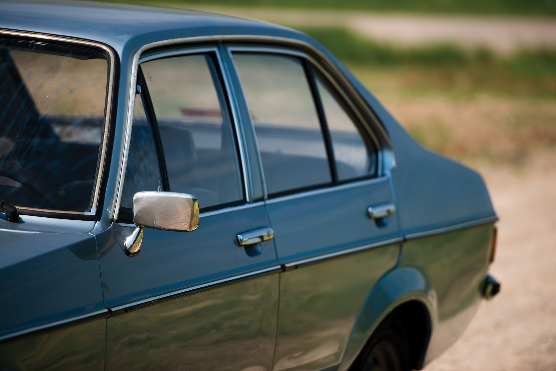 1976_Ford_Escort_1100_GL_Sedan_0003