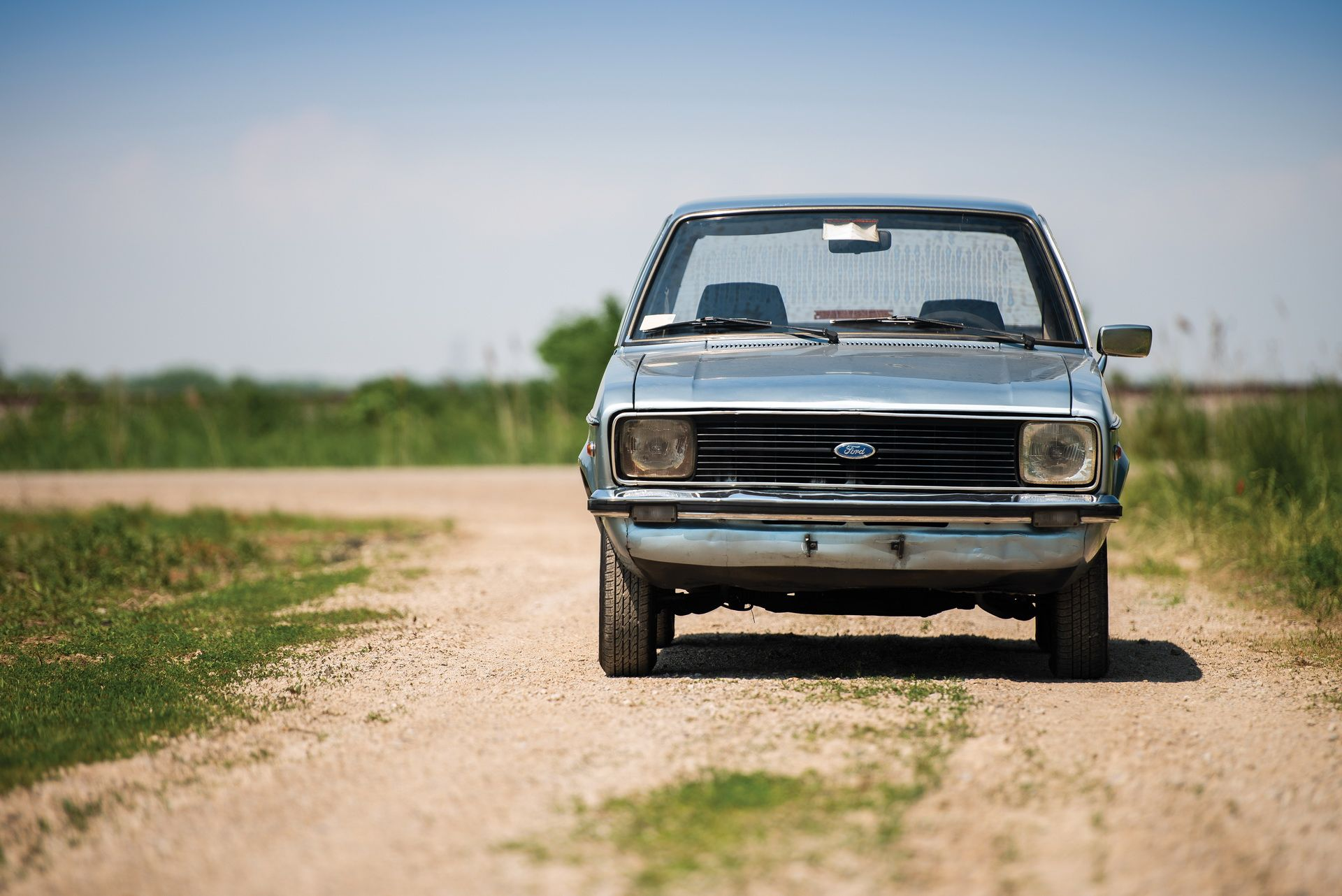 1976_Ford_Escort_1100_GL_Sedan_0012