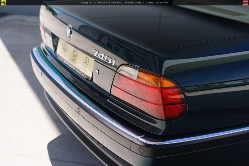 1997_BMW_740i_0009