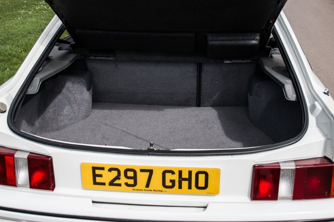 1987_Ford_Sierra_RS500_Cosworth_0016