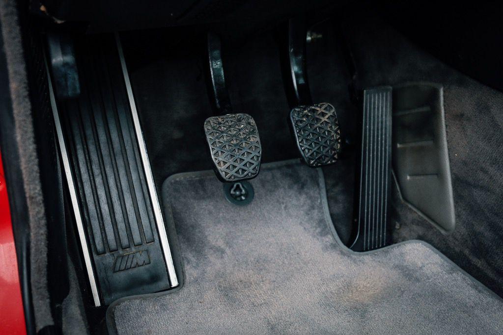 1988_BMW_E30_M3_Evolution-II_0019