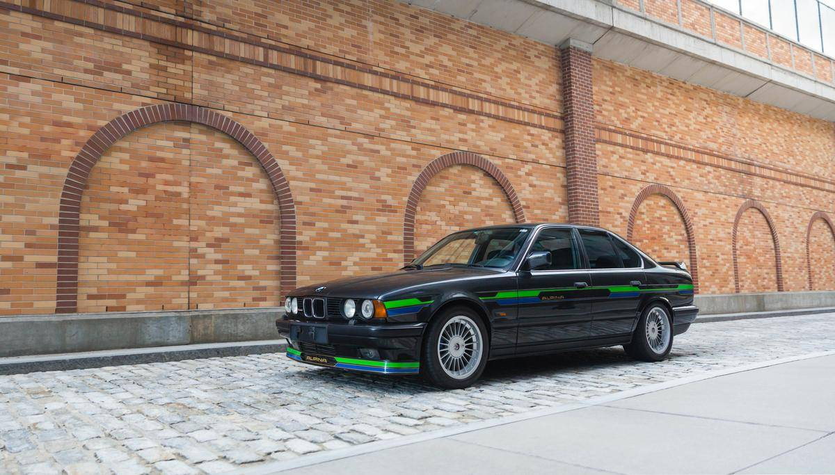 1992_BMW_Alpina_B10_BiTurbo_0001