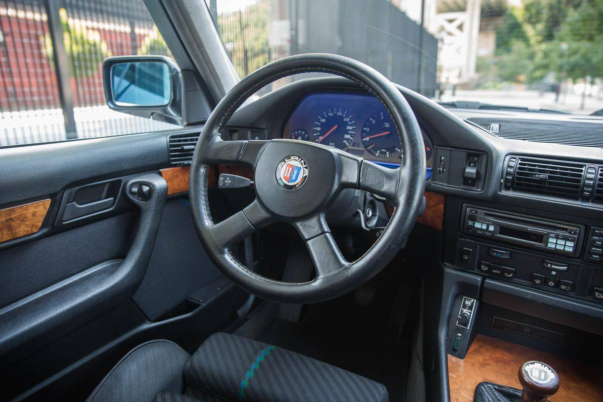 1992_BMW_Alpina_B10_BiTurbo_0012