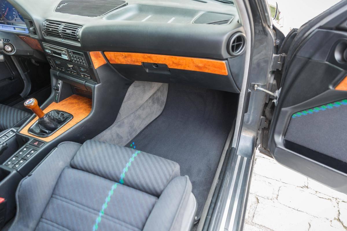 1992_BMW_Alpina_B10_BiTurbo_0020