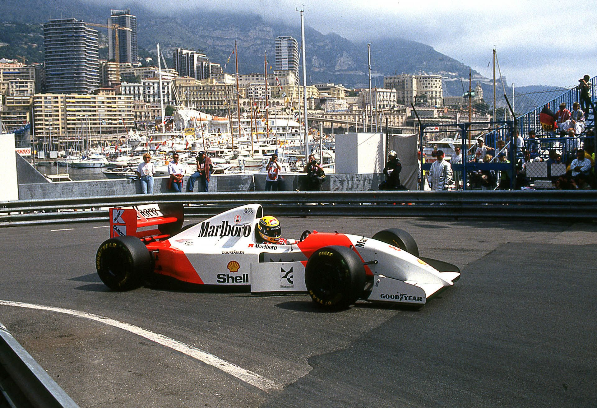 1993_McLaren_MP4_8A_0003