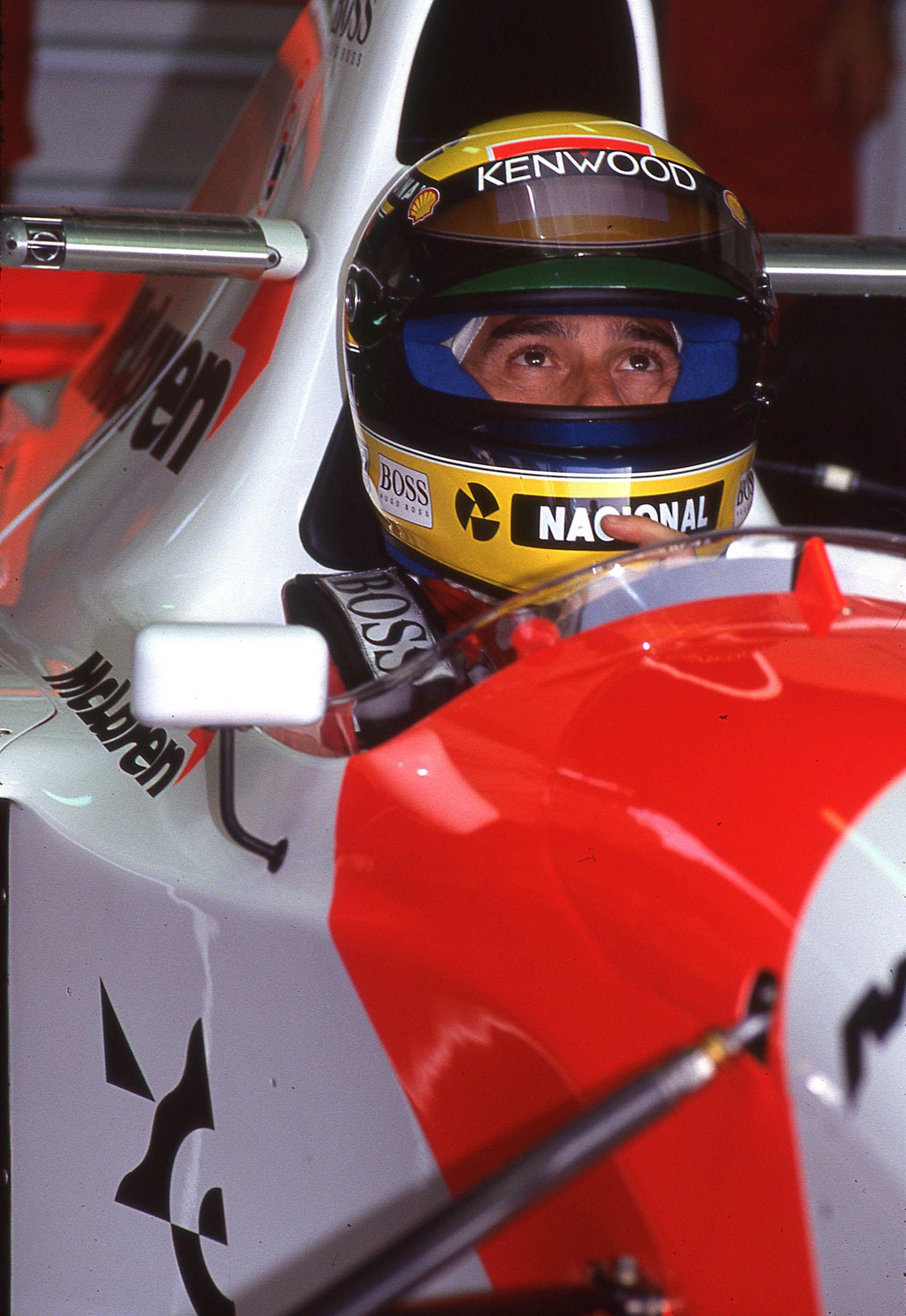 1993_McLaren_MP4_8A_0007