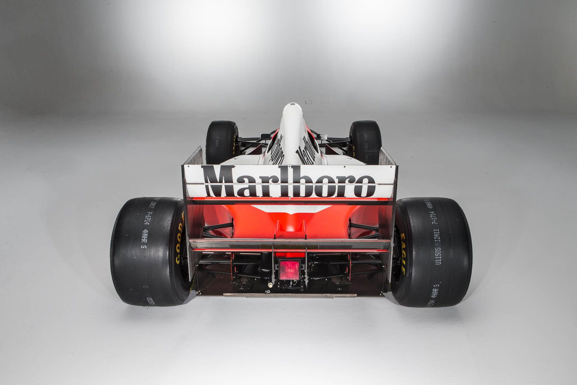 1993_McLaren_MP4_8A_0048