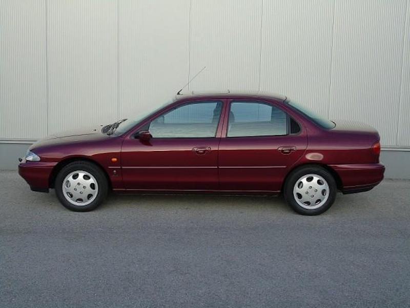 1996_Ford_Mondeo_sale_0001