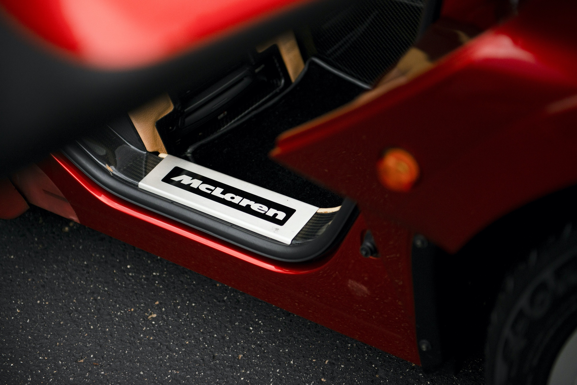 1998-McLaren-F1--LM-Specification-_11