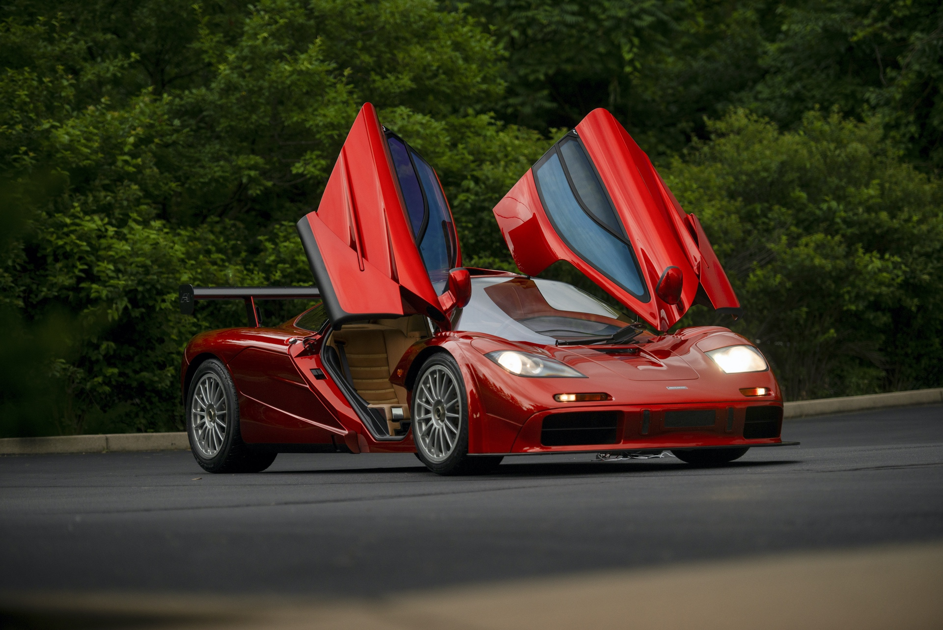 1998-McLaren-F1--LM-Specification-_13