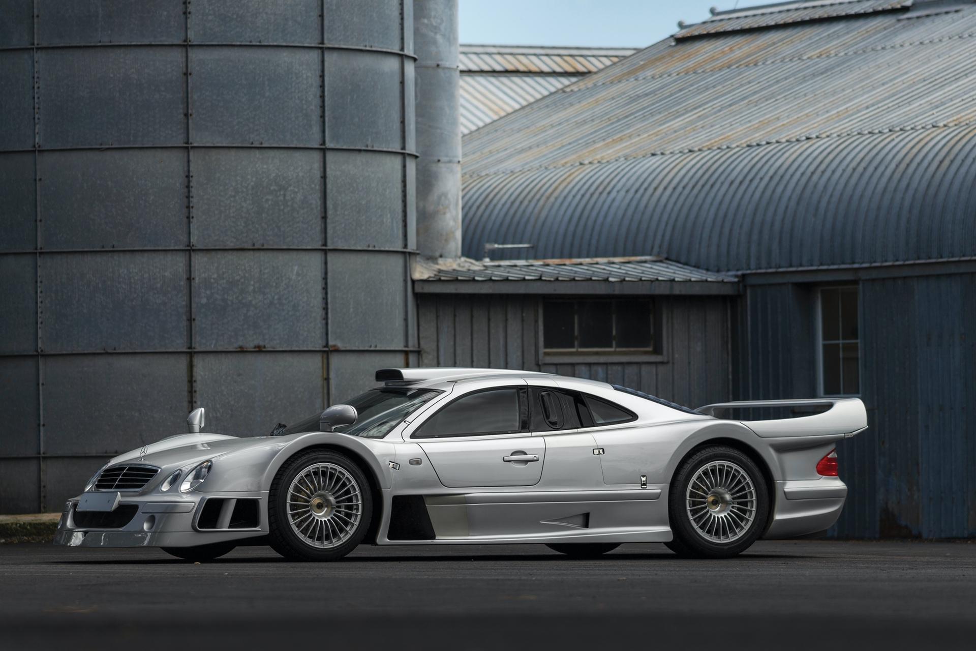 1998-Mercedes-Benz-AMG-CLK-GTR_0