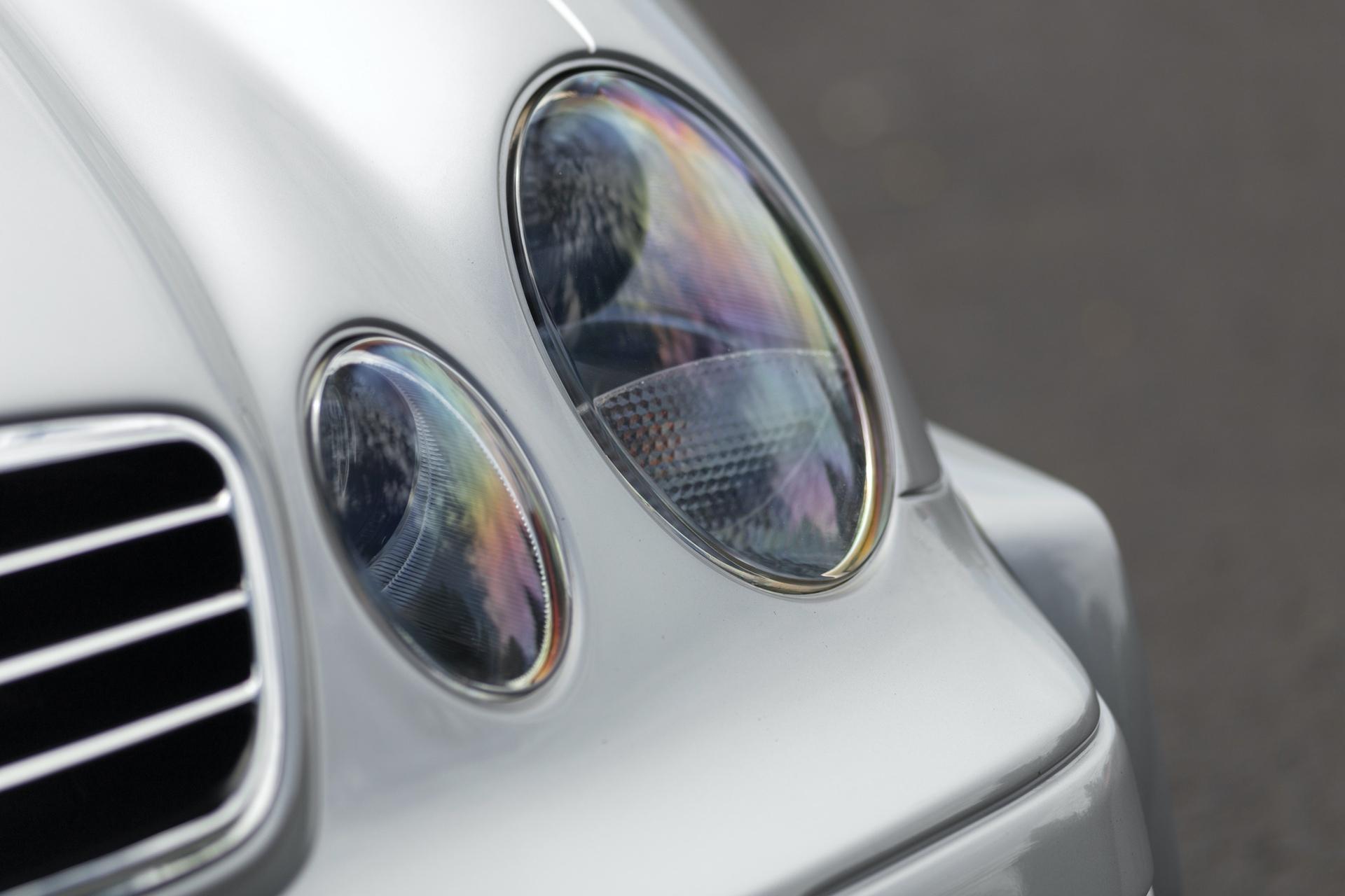 1998-Mercedes-Benz-AMG-CLK-GTR_18