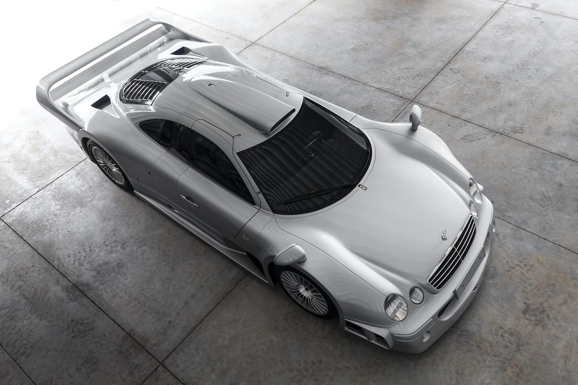 1998-Mercedes-Benz-AMG-CLK-GTR_21