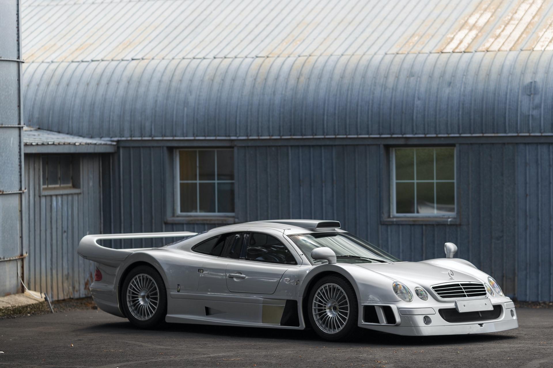 1998-Mercedes-Benz-AMG-CLK-GTR_28