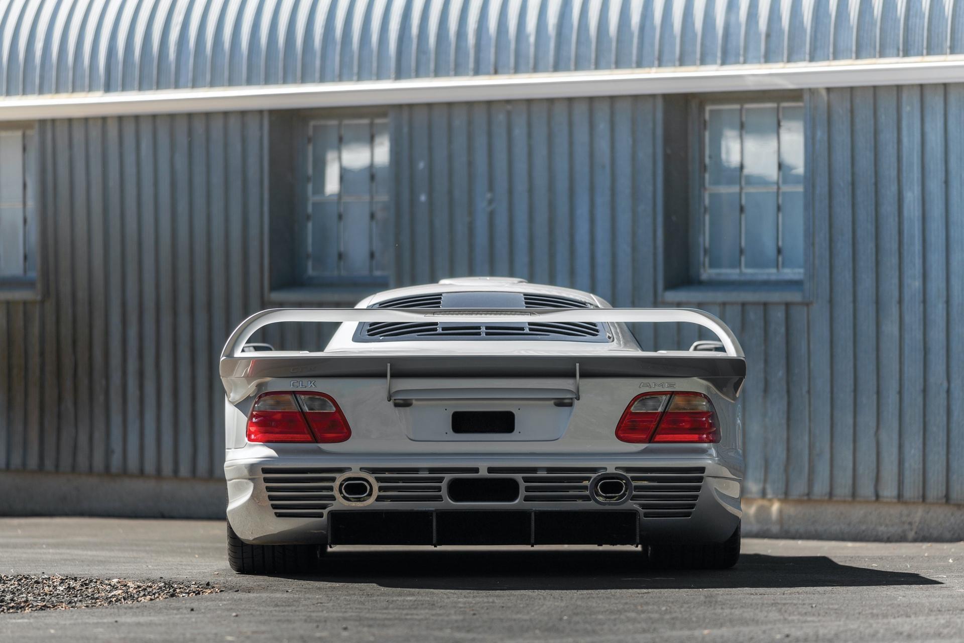 1998-Mercedes-Benz-AMG-CLK-GTR_9