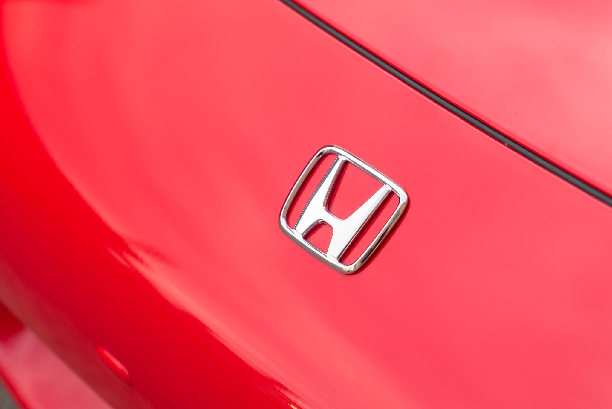 2000_Honda_S2000_0098