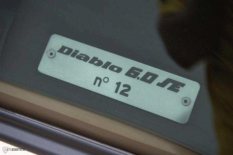 2001_Lamborghini_Diablo_6.0_SE_0003