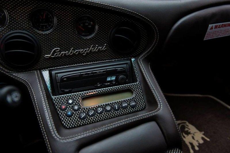 2001_Lamborghini_Diablo_6.0_SE_0016