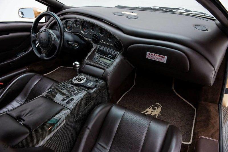2001_Lamborghini_Diablo_6.0_SE_0042