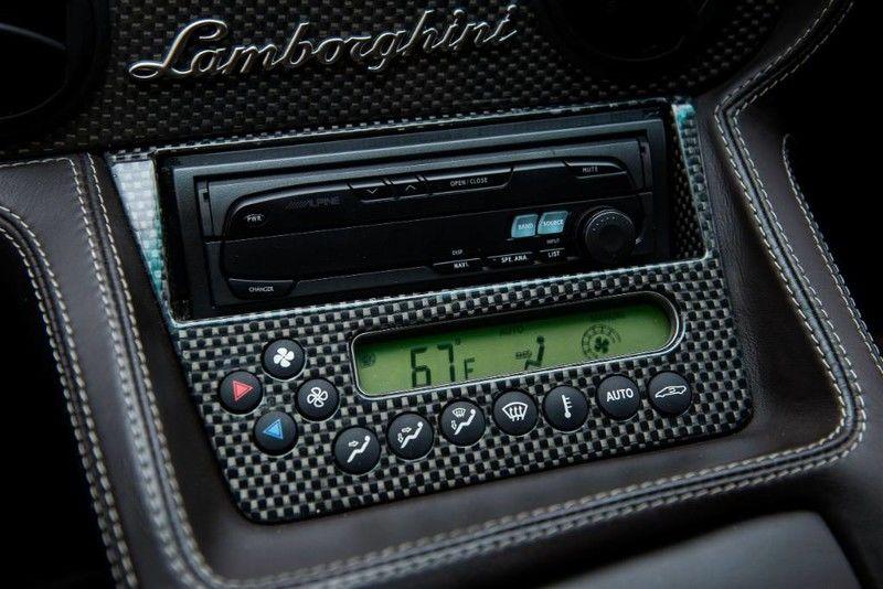 2001_Lamborghini_Diablo_6.0_SE_0050