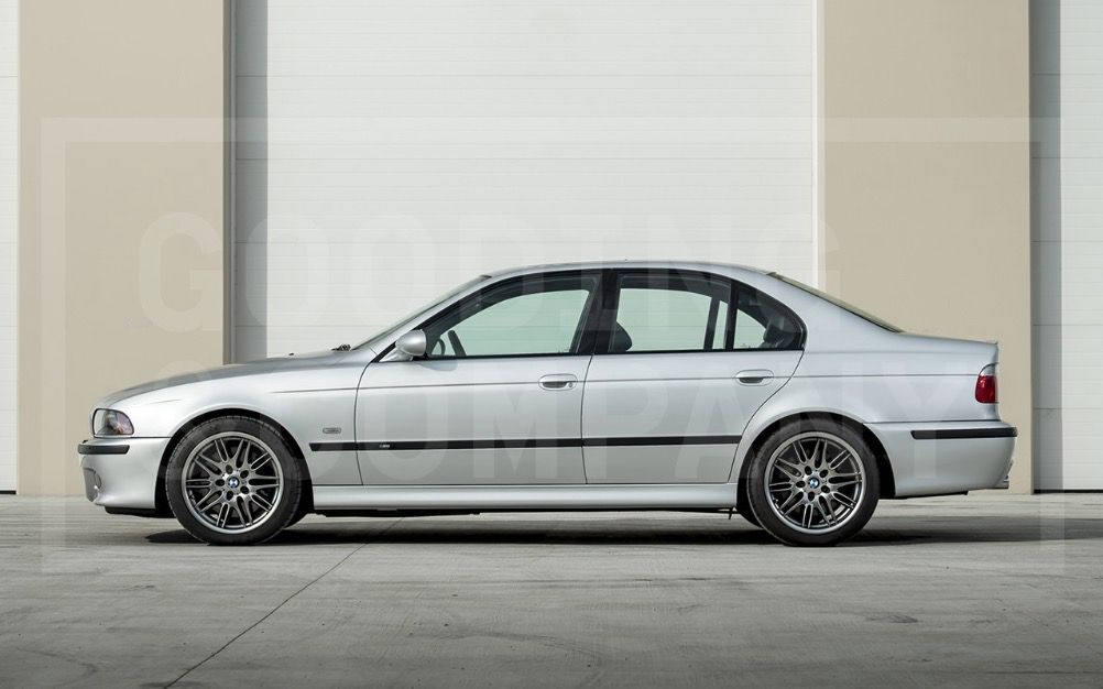 2002_BMW_M5_ 0010