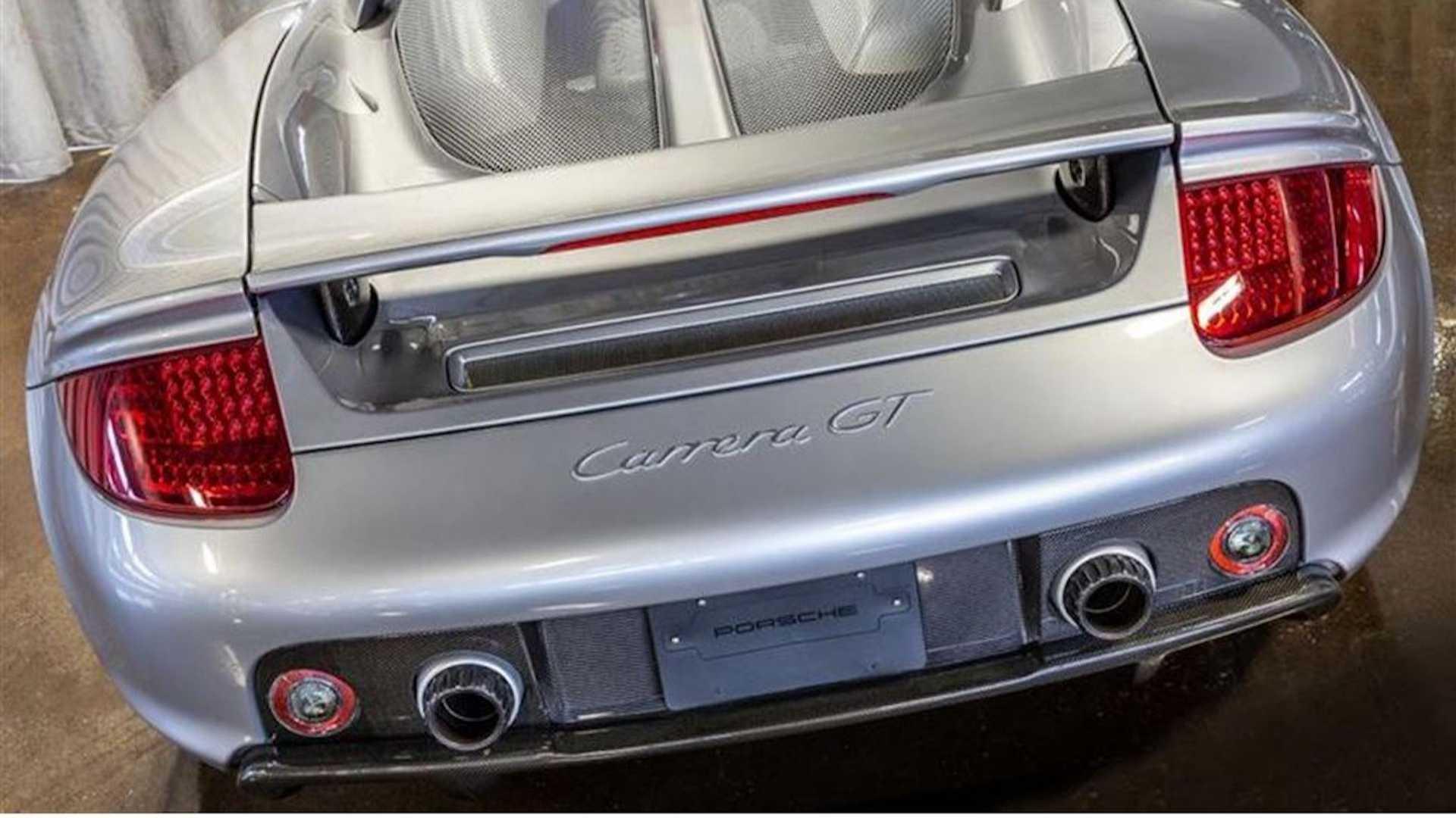 2005_Porsche_Carrera_GT_0003