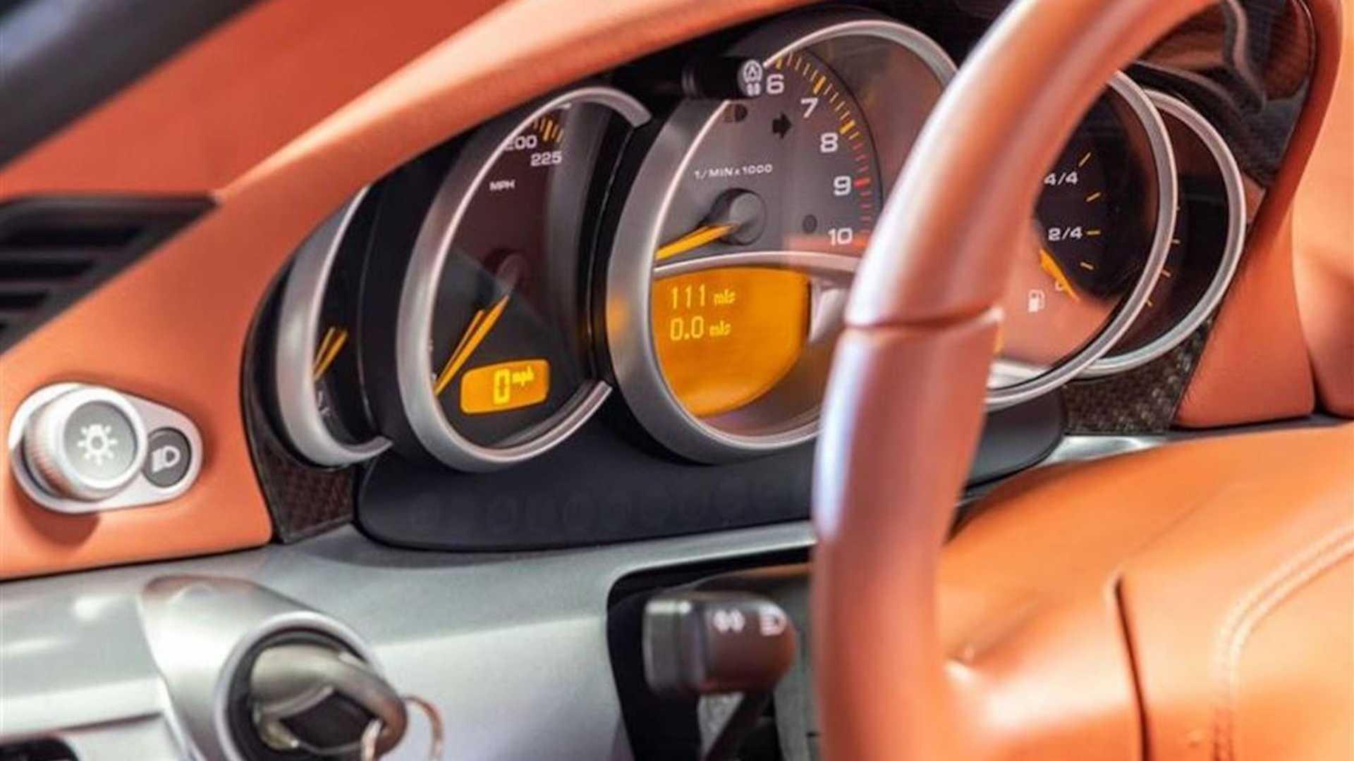 2005_Porsche_Carrera_GT_0005