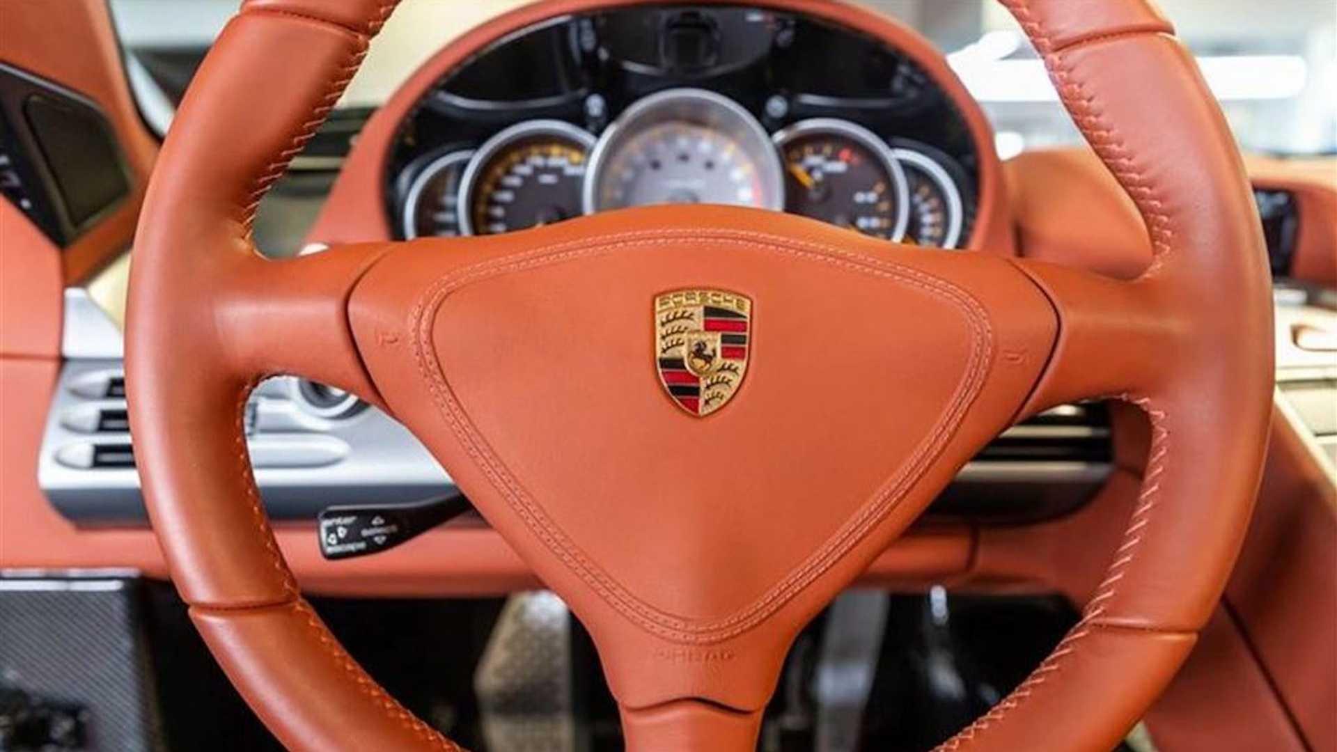 2005_Porsche_Carrera_GT_0007