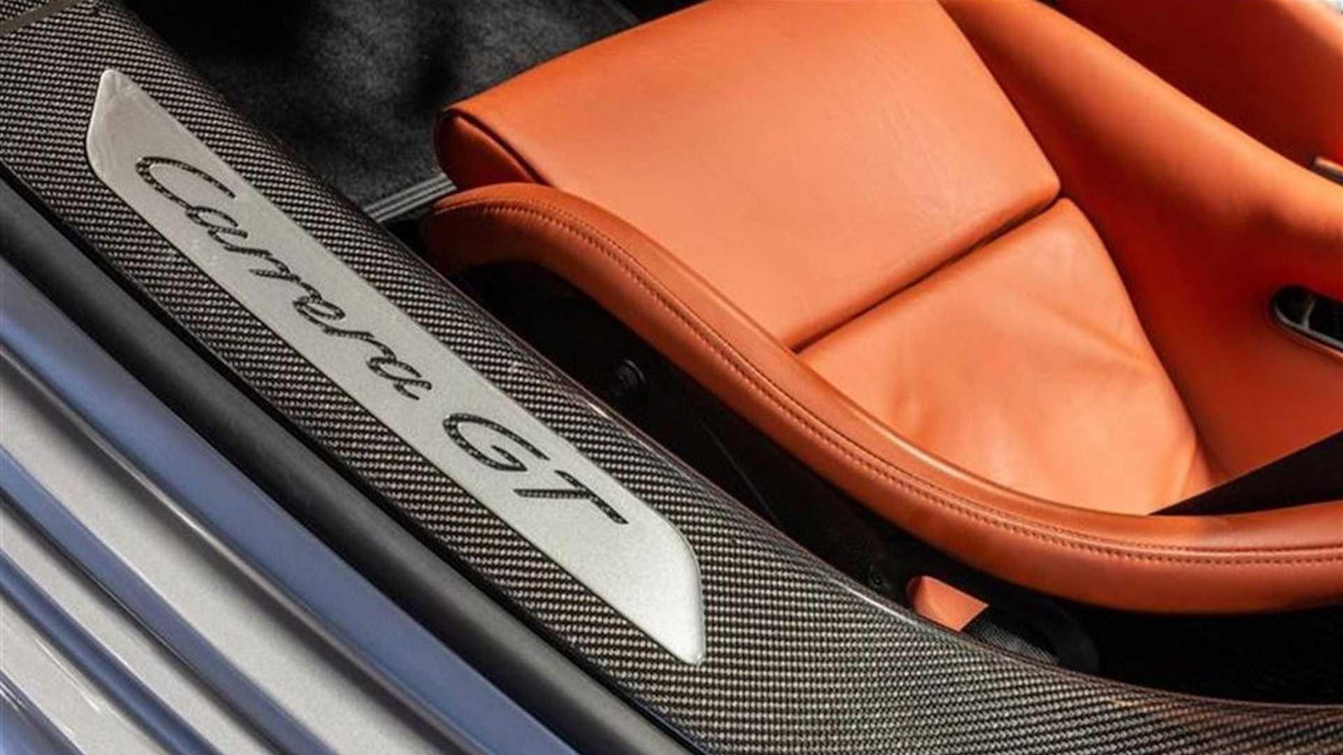 2005_Porsche_Carrera_GT_0009