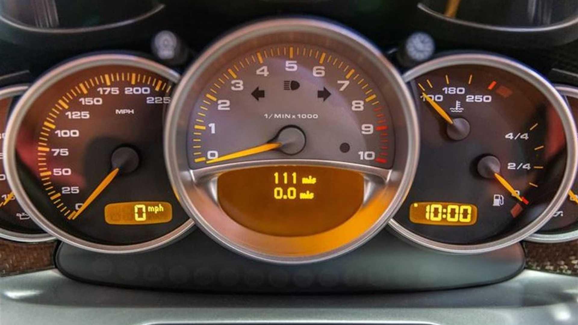 2005_Porsche_Carrera_GT_0012