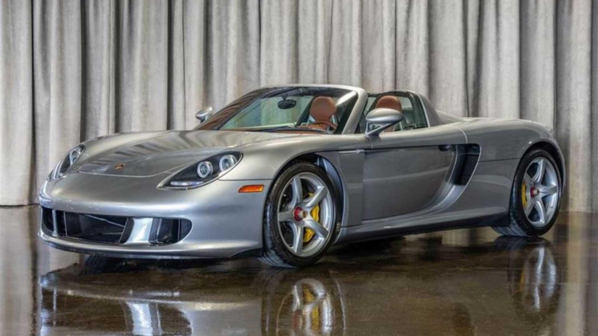 2005_Porsche_Carrera_GT_0021