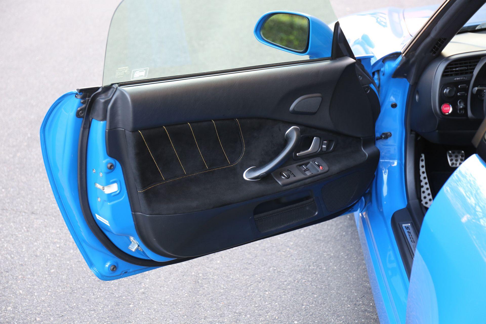 2008-Honda-S2000-CR_0016