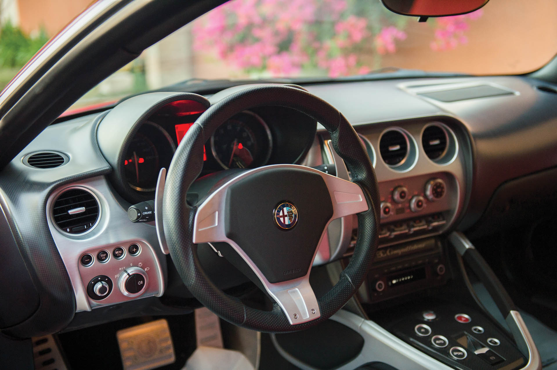 2010_Alfa_Romeo_8C_0002