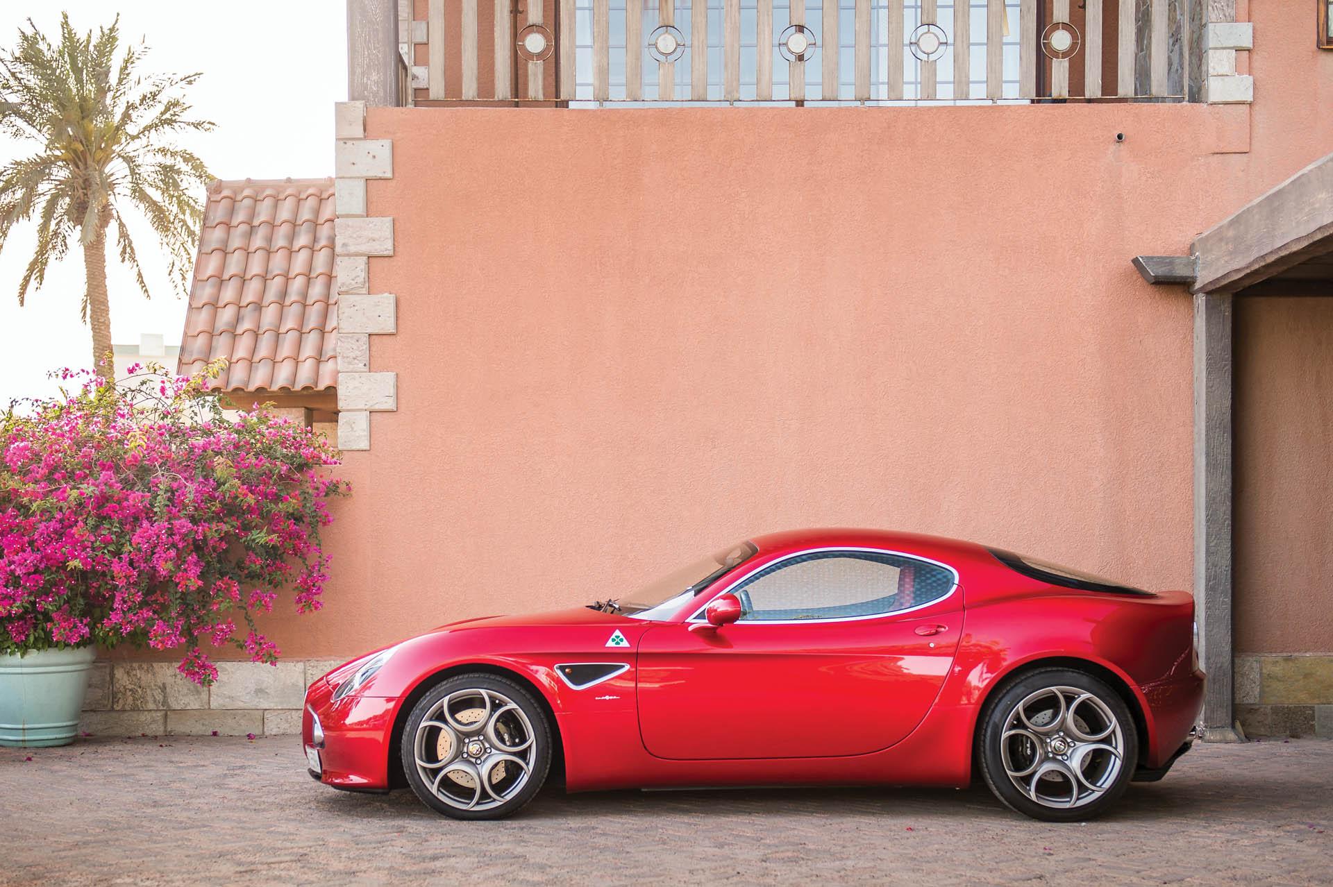 2010_Alfa_Romeo_8C_0003