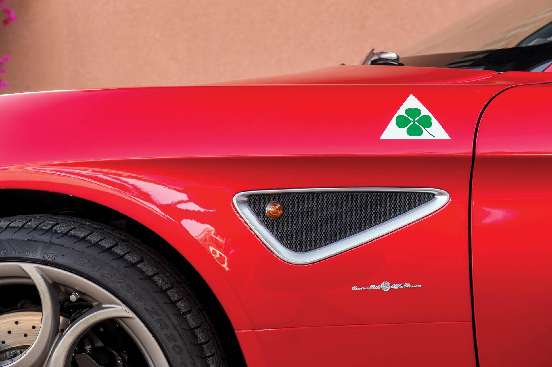 2010_Alfa_Romeo_8C_0004