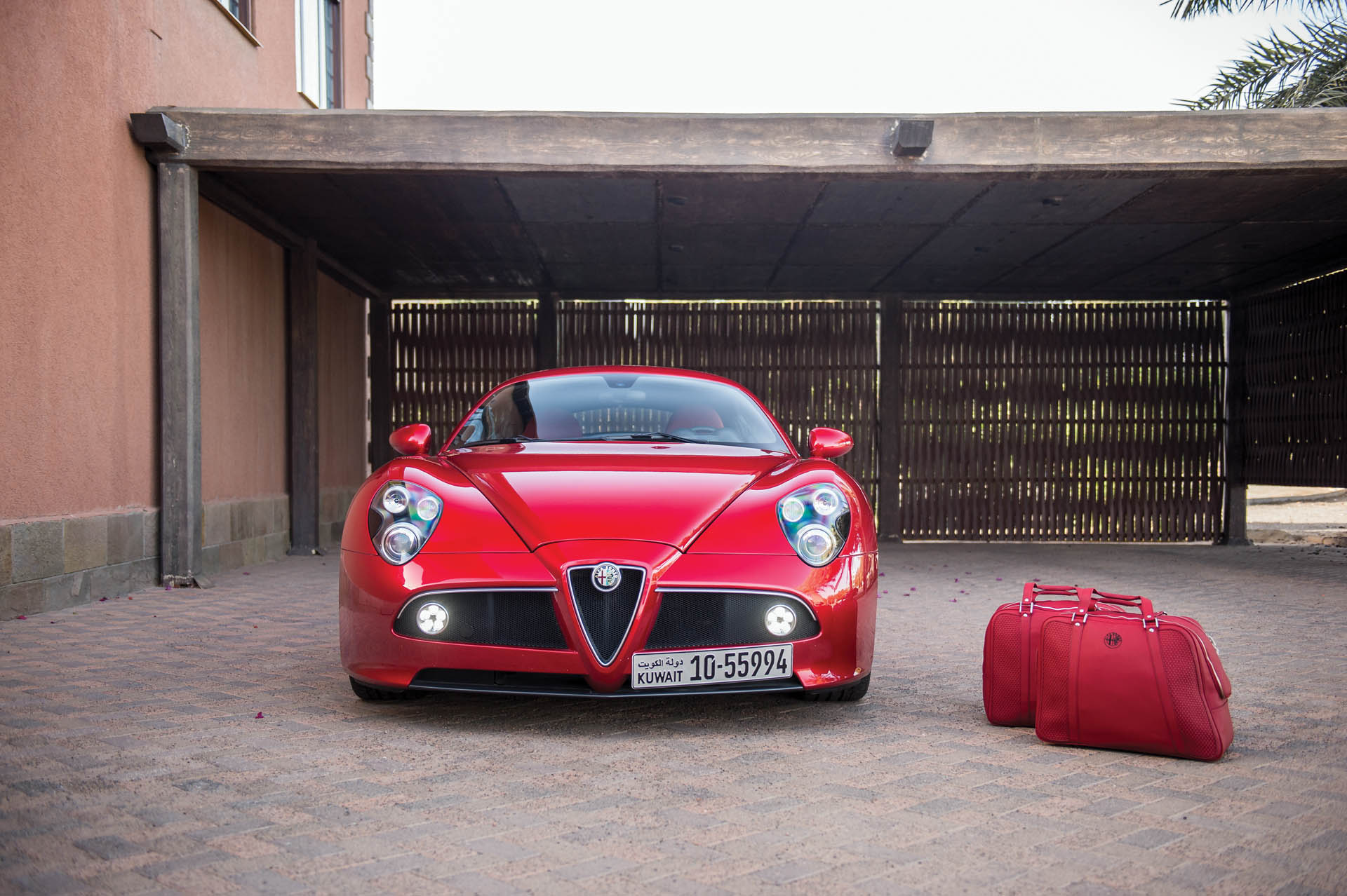 2010_Alfa_Romeo_8C_0006