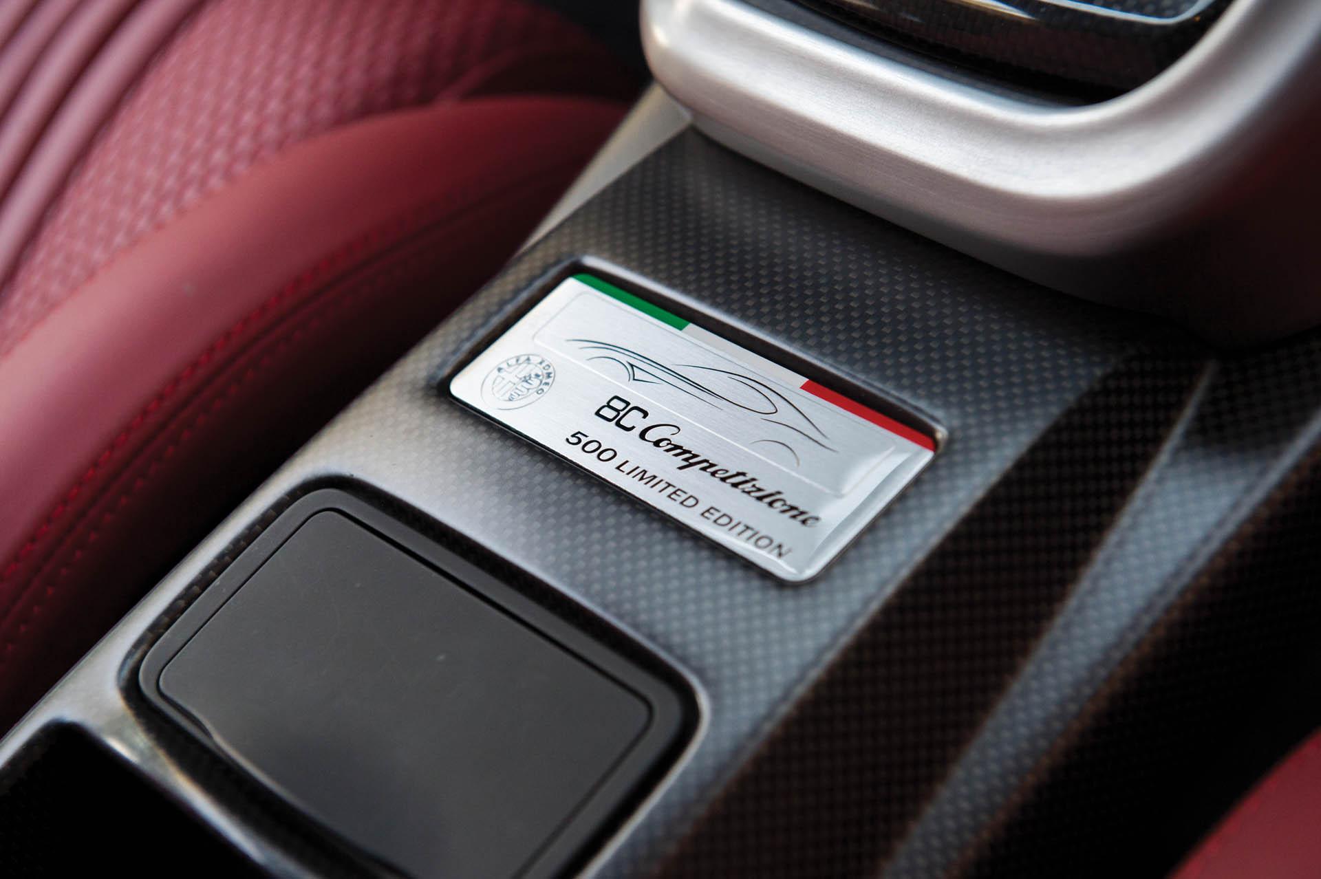 2010_Alfa_Romeo_8C_0008