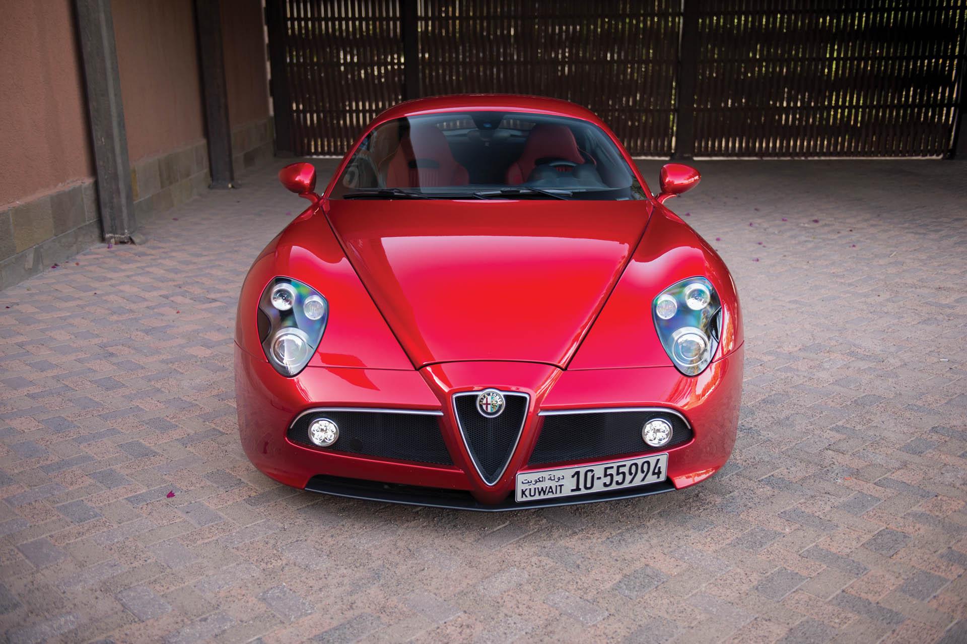 2010_Alfa_Romeo_8C_0015