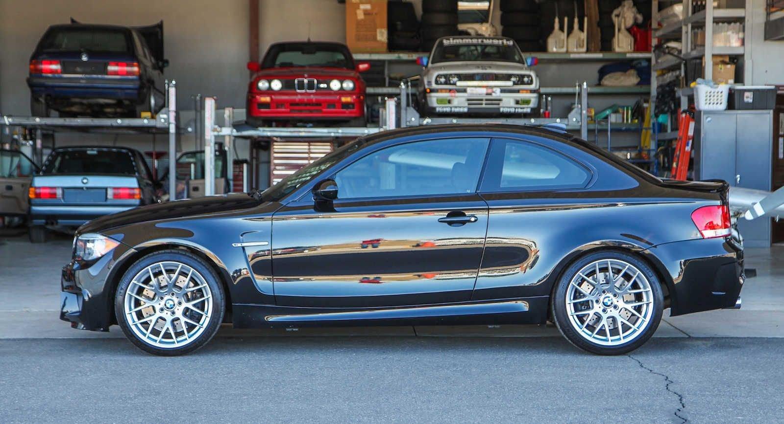 2011_BMW_1M_0001