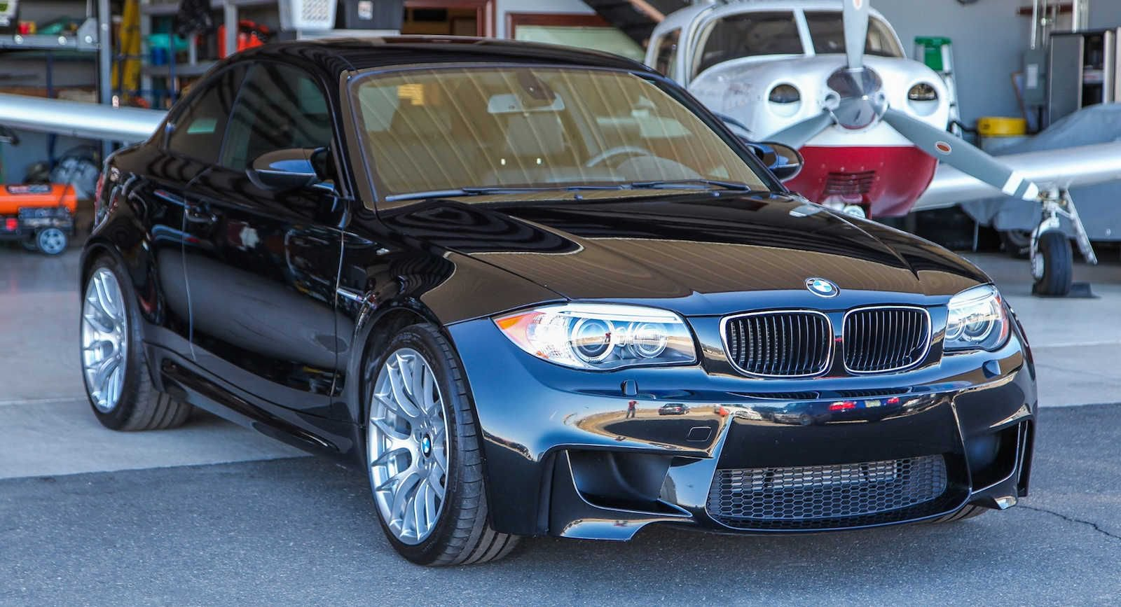 2011_BMW_1M_0005