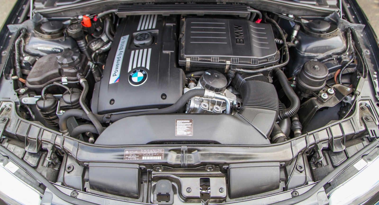 2011_BMW_1M_0008
