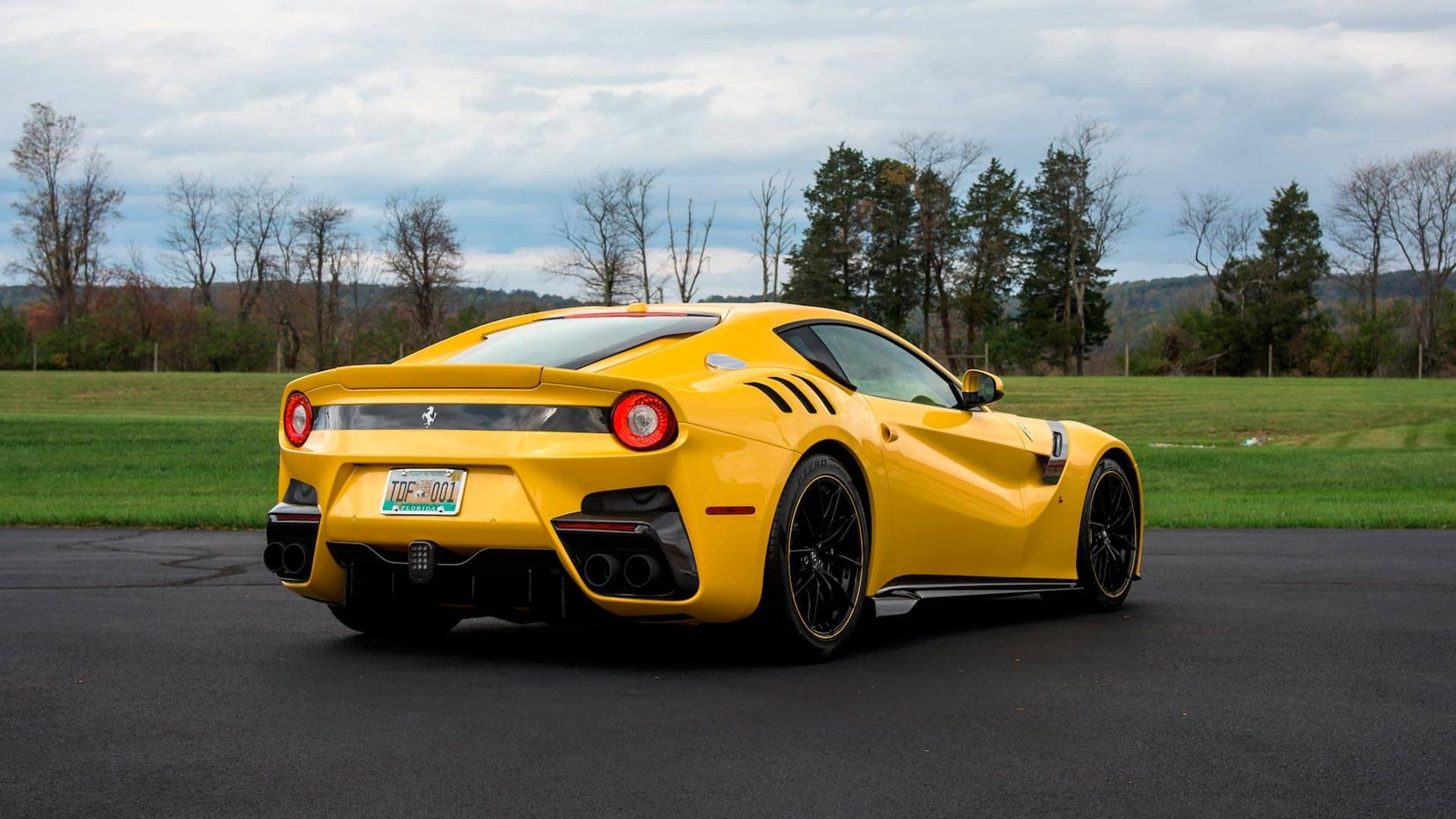 2016_Ferrari_F12TdF_Mecum_Auction_0004