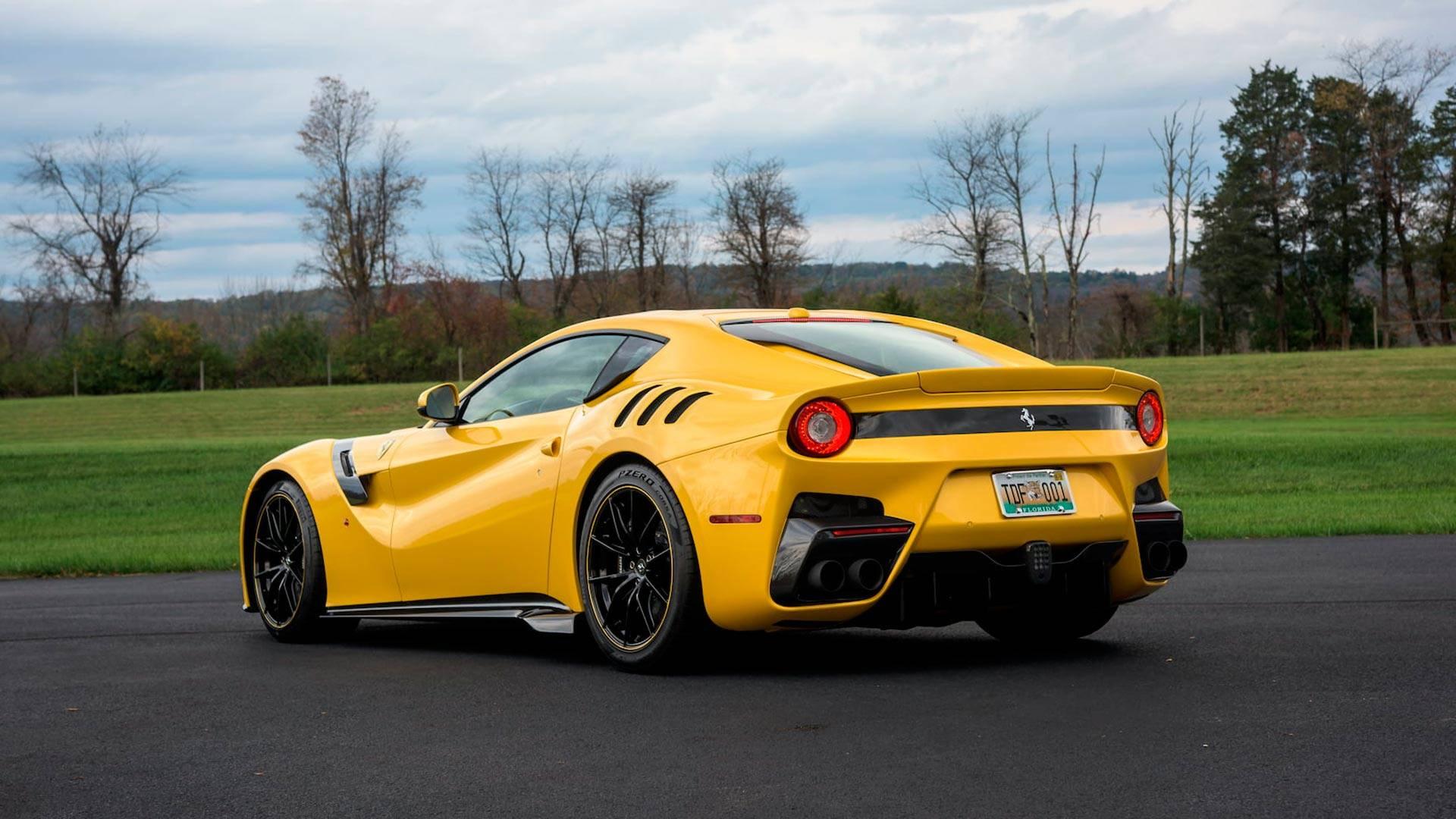 2016_Ferrari_F12TdF_Mecum_Auction_0005