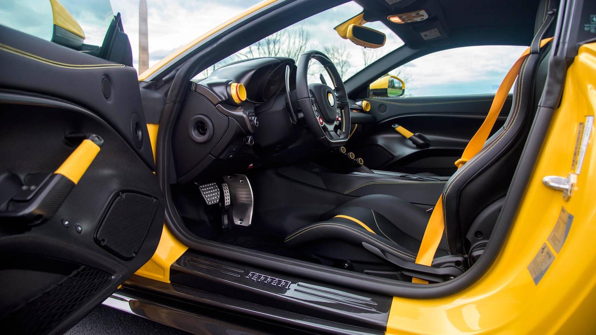 2016_Ferrari_F12TdF_Mecum_Auction_0014