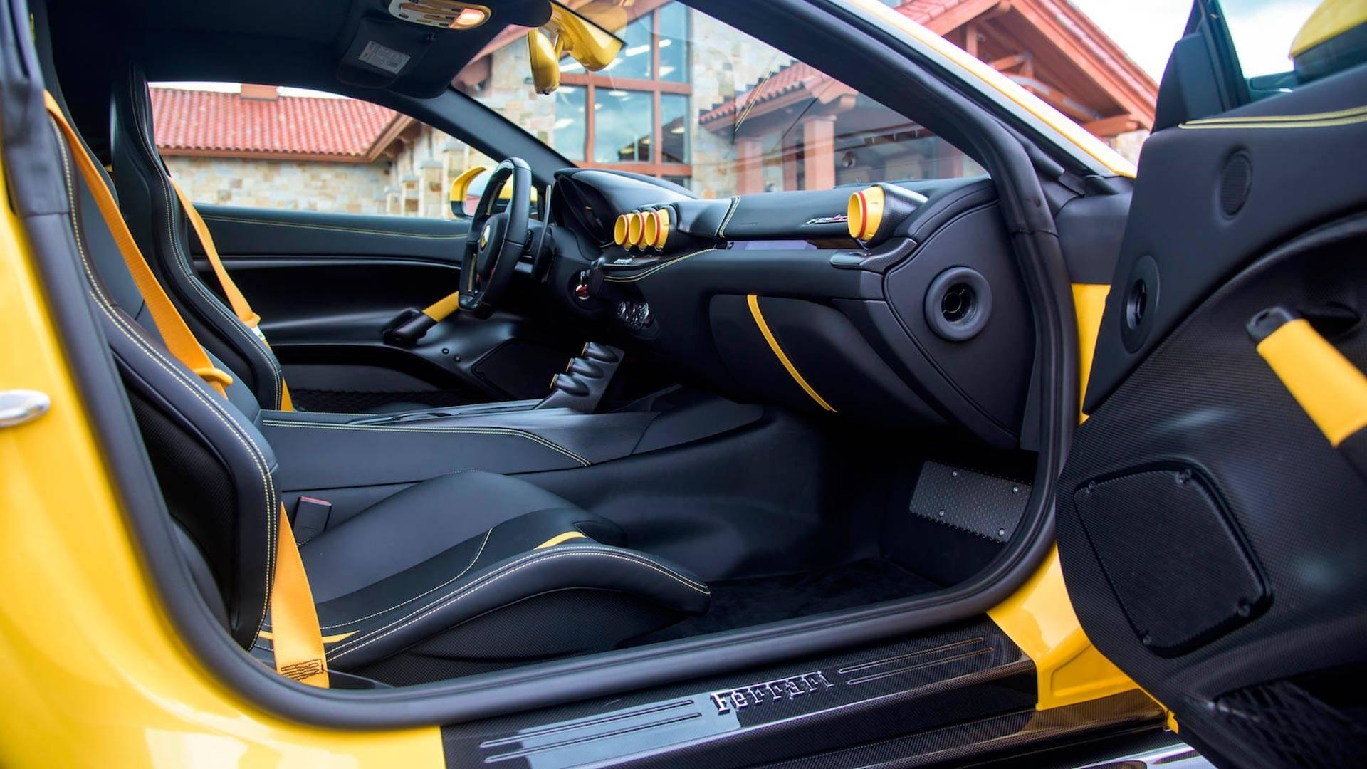 2016_Ferrari_F12TdF_Mecum_Auction_0015