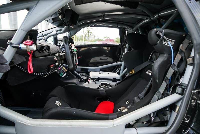 2016_Lamborghini_Huracan_Super_Trofeo_sale_04