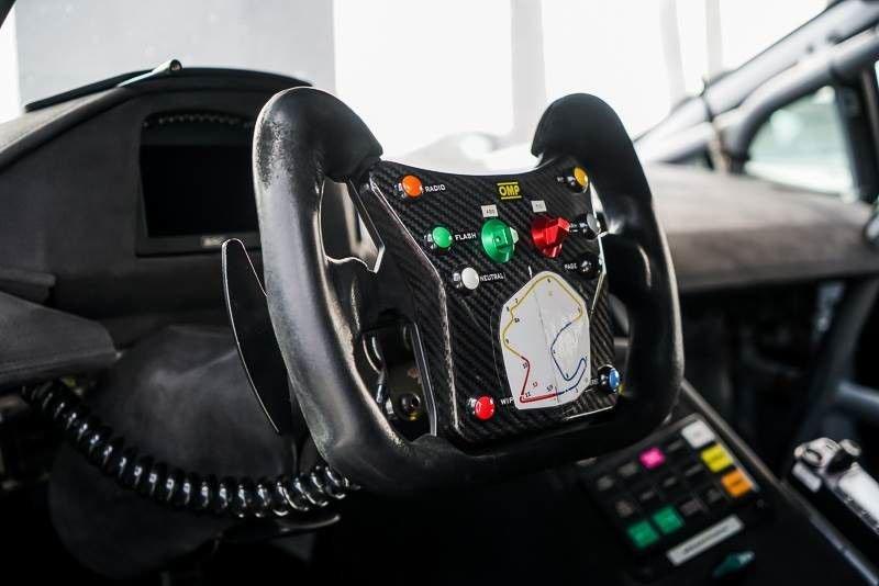 2016_Lamborghini_Huracan_Super_Trofeo_sale_10