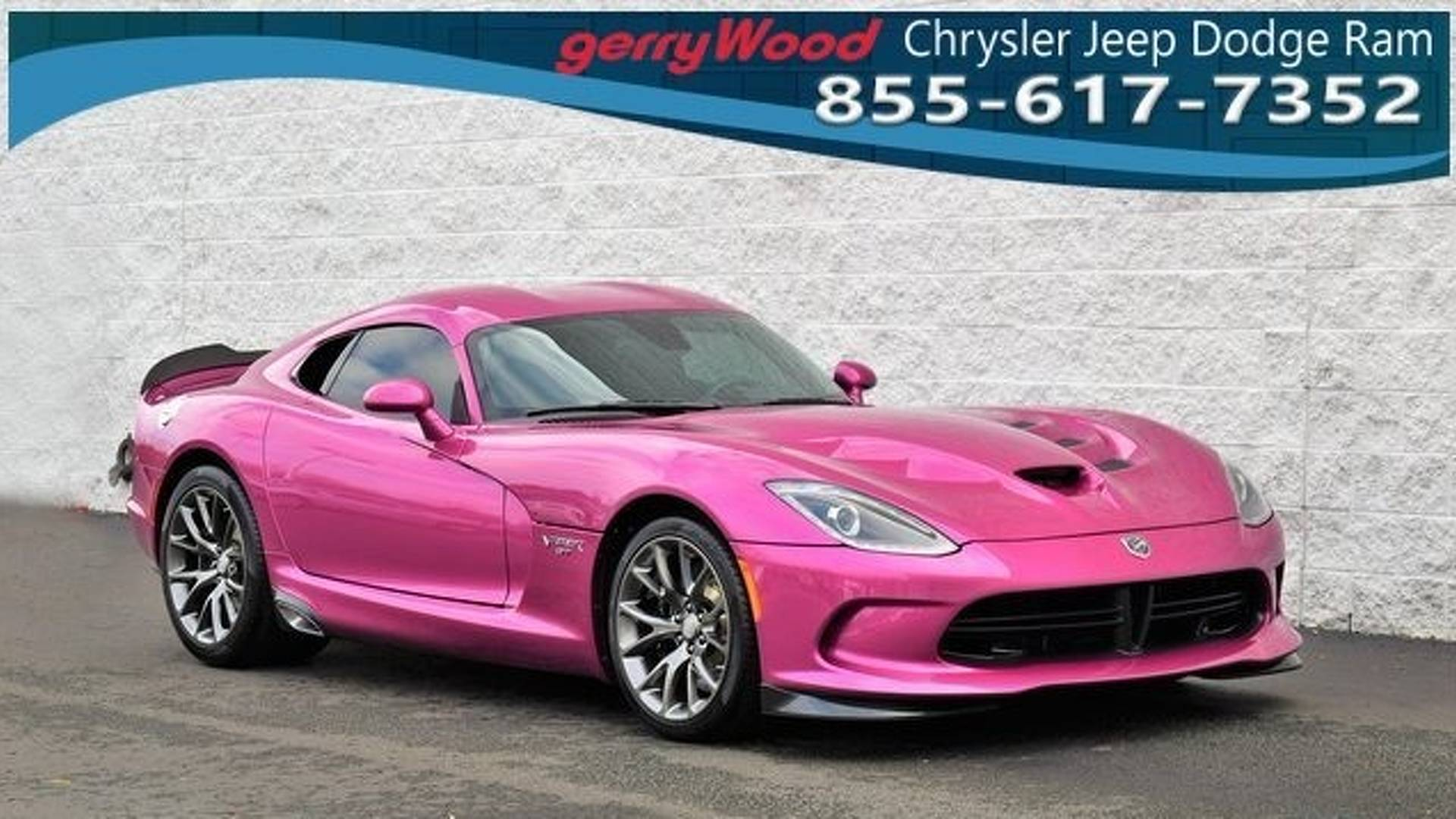 2017_Dodge_Viper_Metallic_Pink_0004