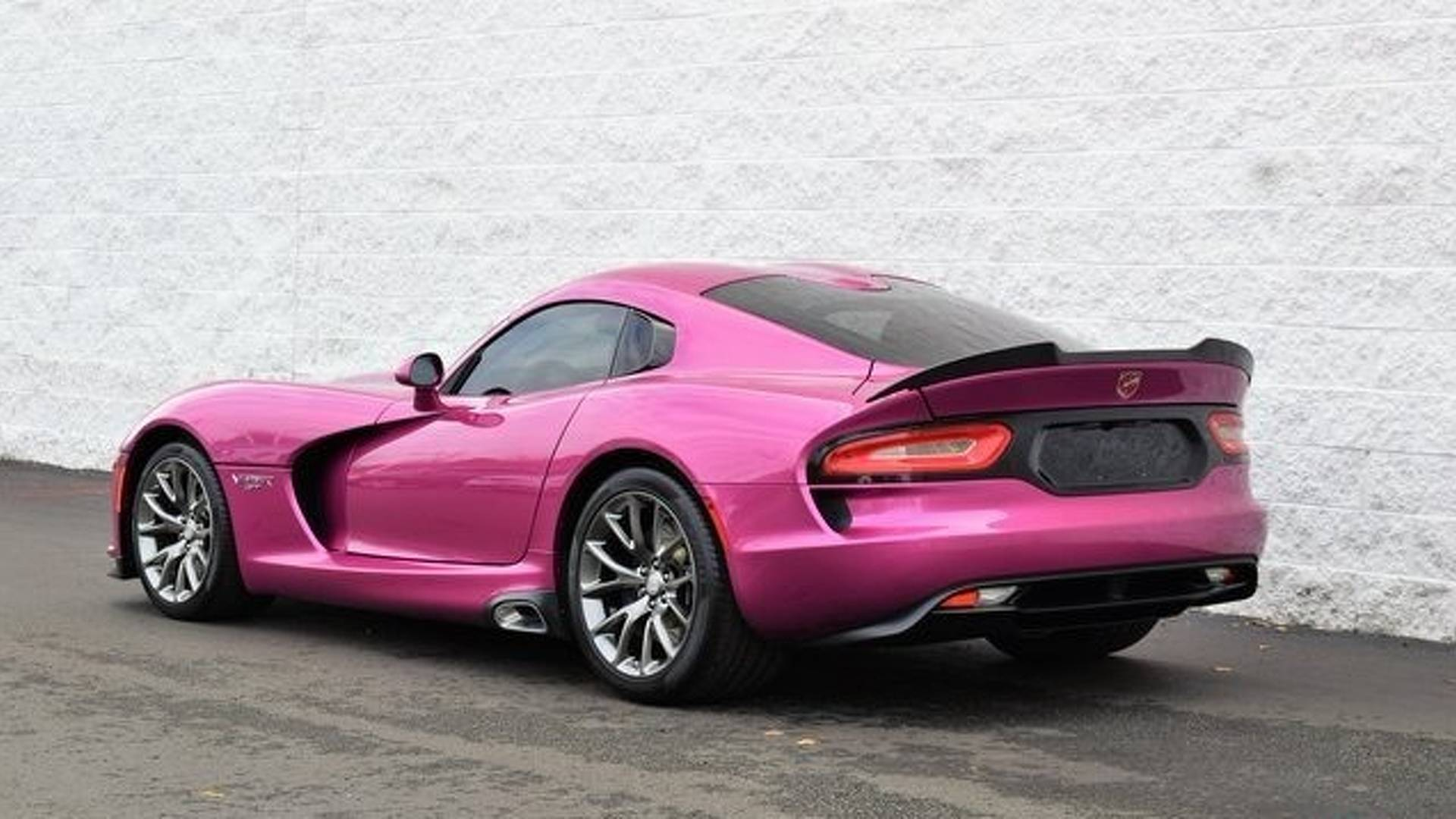 2017_Dodge_Viper_Metallic_Pink_0017