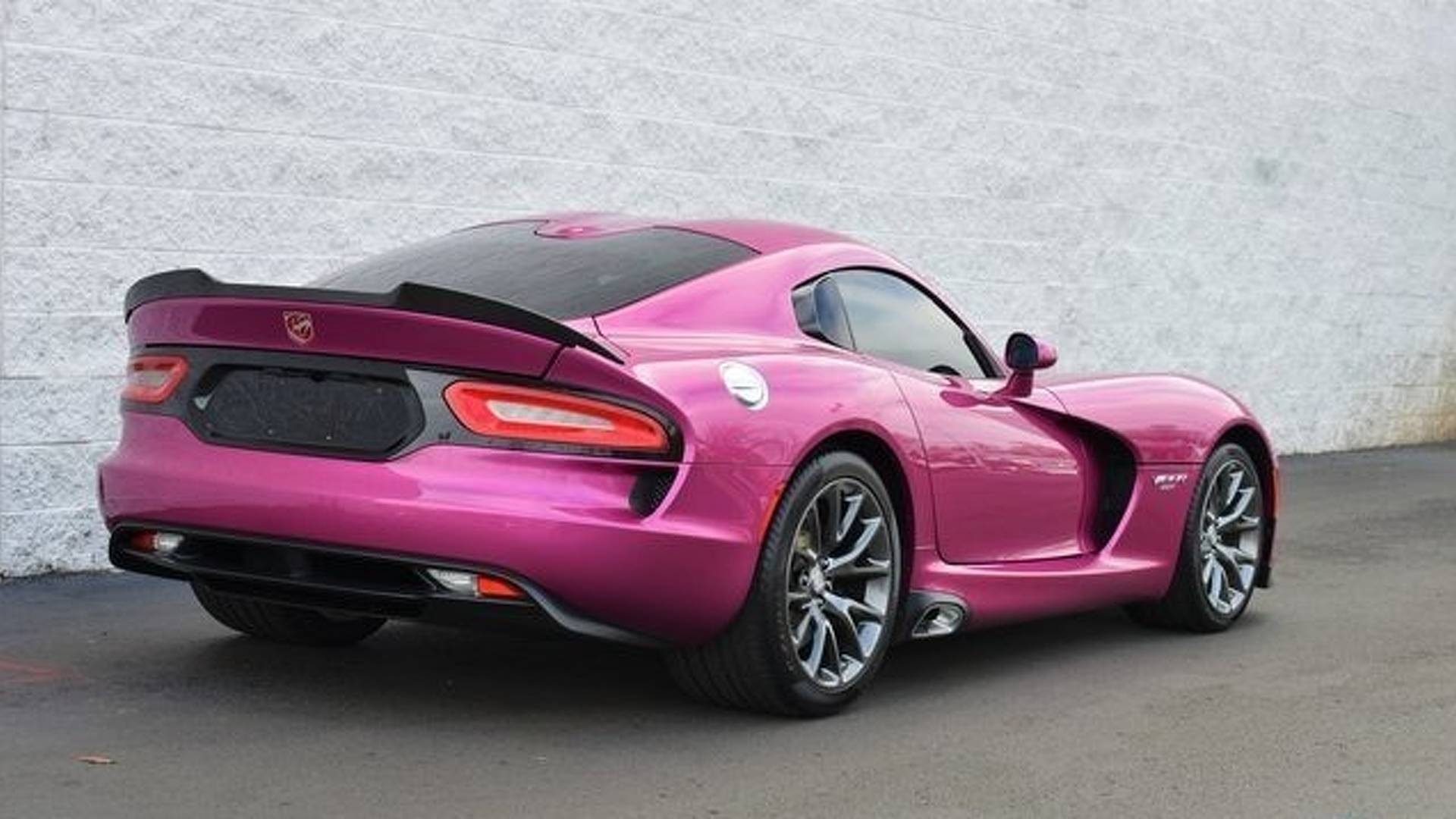 2017_Dodge_Viper_Metallic_Pink_0018